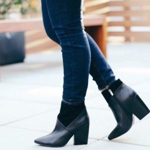 Vince Camuto Rayland  boots size 71/2